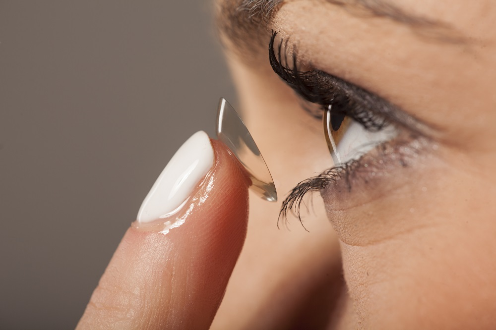 Jak dbać o soczewki kontaktowe?
