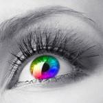 Kolorowe czy zwykłe? Jakie soczewki wybrać do codziennego użytku?