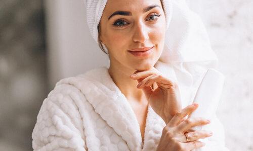 kobieta w ręczniku